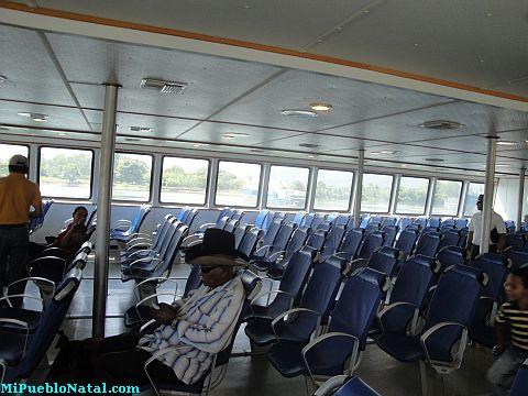 roatan ferry