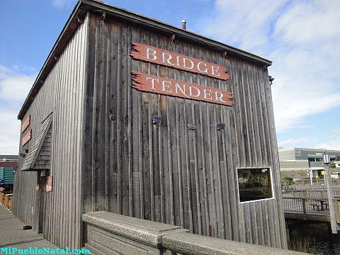 Bridge Tendern
