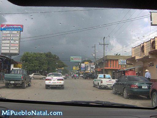 Calle principal de Tocoa