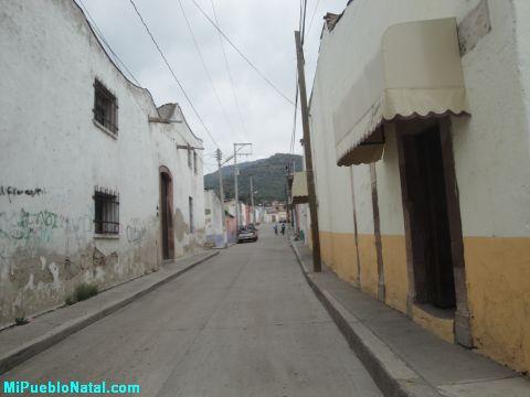 calle que atravieas la calle principal de Huanimaro
