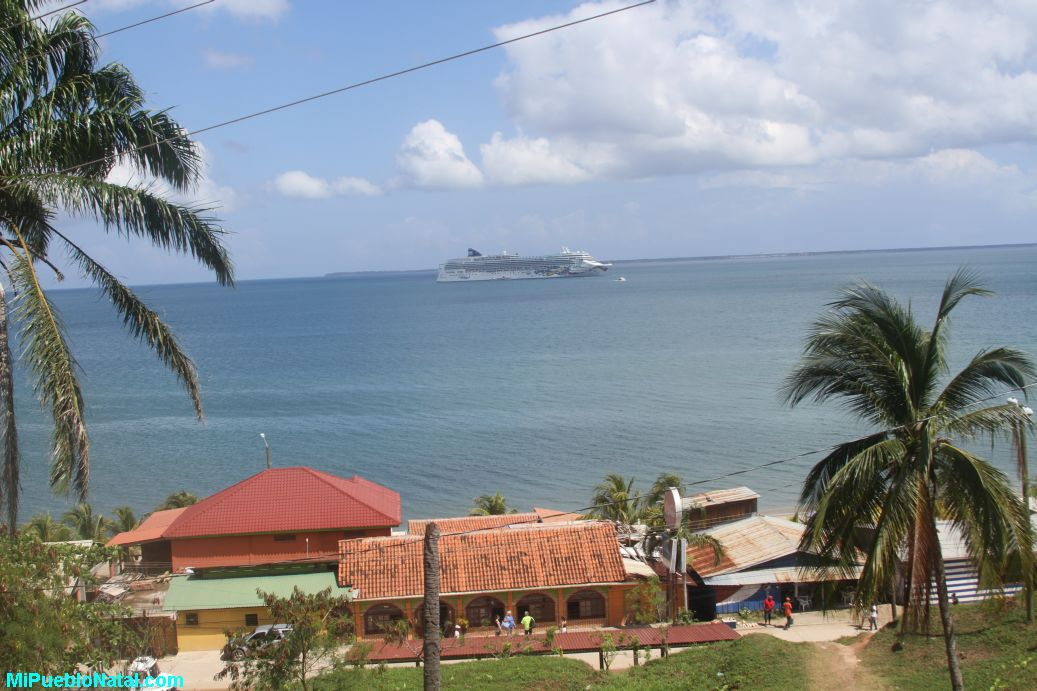 Cruise ship in Trujillo, Honduras