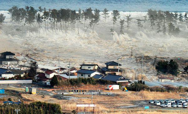 Images of Tsunami
