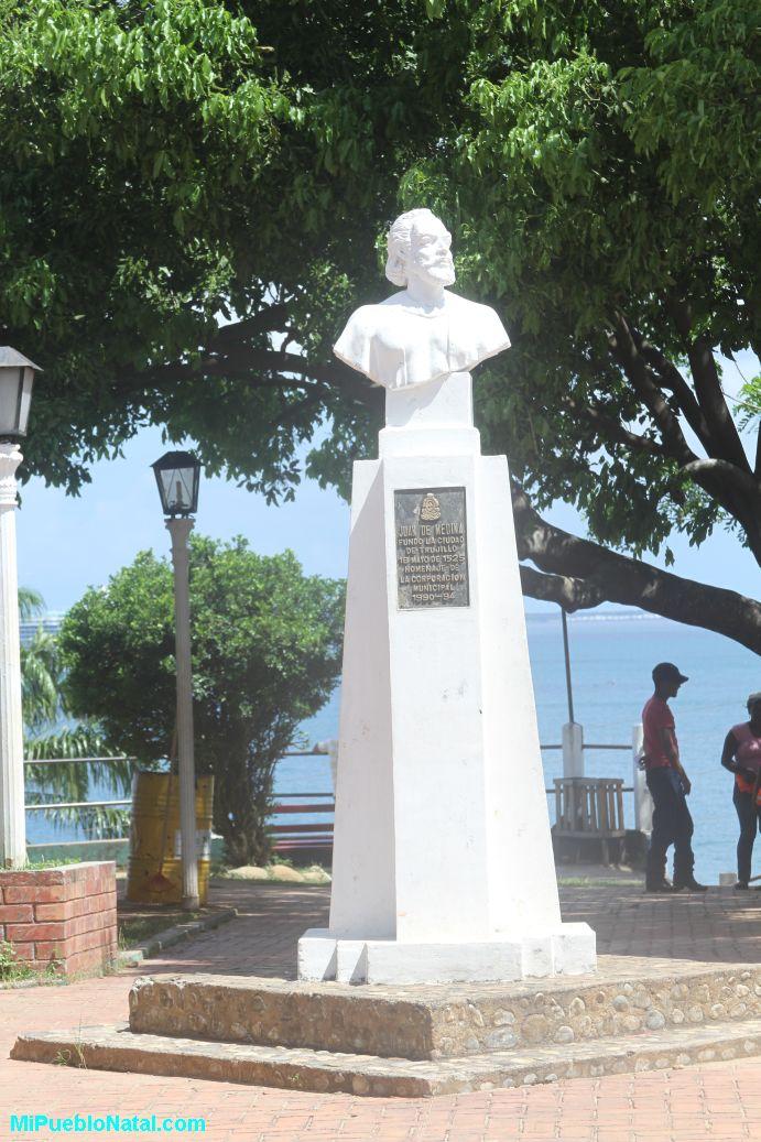 Estatua de Juan de medina, Trujillo, Honduras