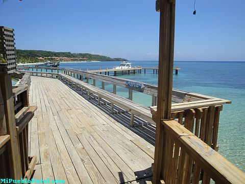 about roatan