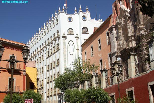 Picturesof the University of Guanajuato