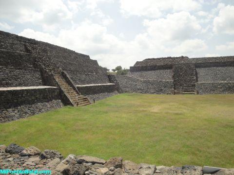 La Piramide Pequena de Peralta