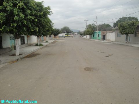 Calle principal de San Jose de Ayal